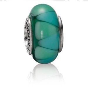 Pandora captivating green murano